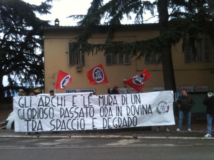 Sit-in di CasaPound Perugia nelle zone di spaccio e degrado