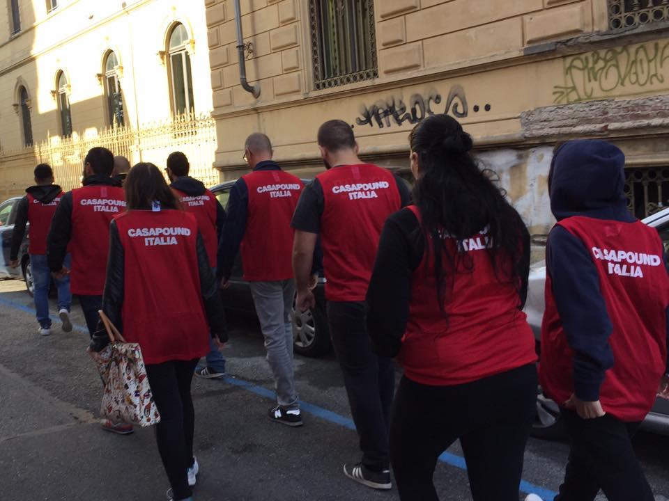 Torino, blitz di CasaPound contro i parcheggiatori abusivi nella zona ospedali della Città della Salute