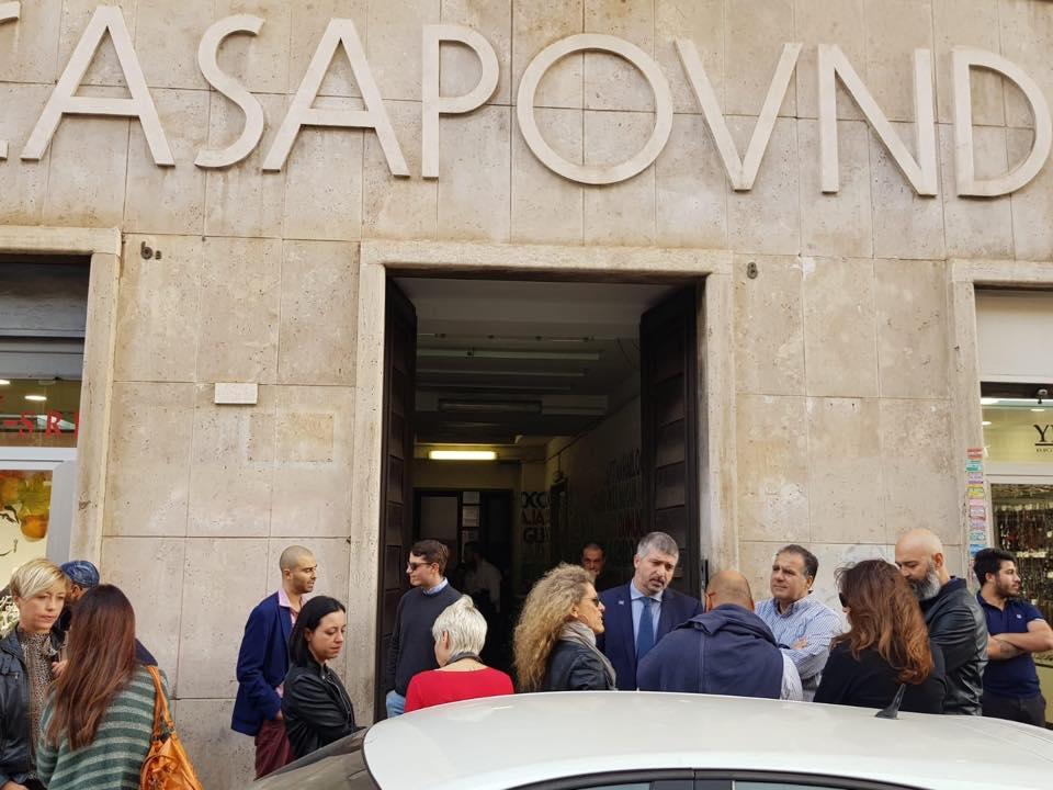 CasaPound a porte aperte, per la prima volta le famiglie di via Napoleone III raccontano le loro storie