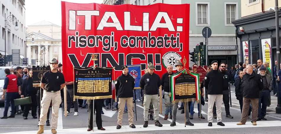 Corteo CasaPound: oltre 5mila persone a Trieste omaggiano la Vittoria
