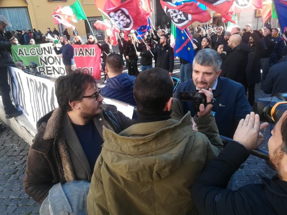 """Global Compact, CasaPound in piazza: """"Non basta rinvio, serve no all'immigrazione"""""""