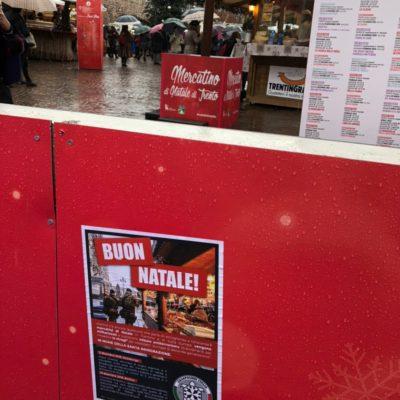 """Trentino, azione di CasaPound su misure antiterrorismo mercatini: """"Buon Natale"""""""