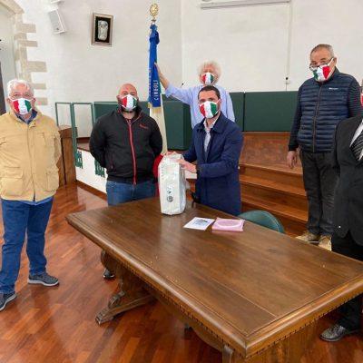 Macerata, CasaPound dona igenizzatore a casa di riposo per anziani di Cingoli