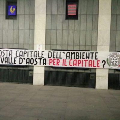 Aosta, CasaPound: striscioni per la chiusura della discarica di Chalamy