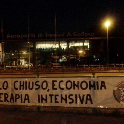 CASAPOUND TREVISO CONTRO LA CHIUSURA DELL'AEROPORTO FINO AD OTTOBRE