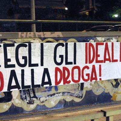 Segui gli ideali, No alla droga: striscioni di CasaPound Italia Terni contro la cultura della morte