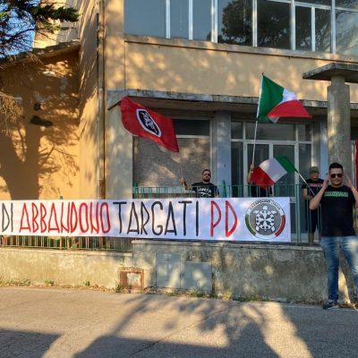 Ancona, CasaPound occupa simbolicamente l'ex scuola 'Socciarelli' per denunciarne lo stato di abbandono e di degrado