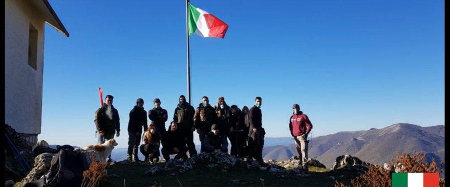 Monte Giano, CasaPound restituisce alla vetta il suo tricolore