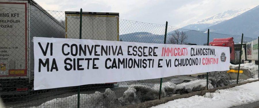 CasaPound al Brennero con i camionisti bloccati al confine: vi conveniva essere immigrati