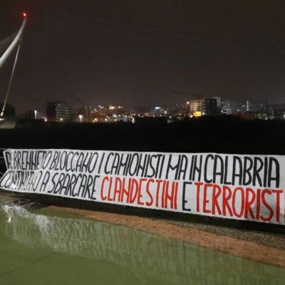 """CasaPound, protesta dal Brennero alla Sicilia: """"Si bloccano i camionisti ma continuano a sbarcare clandestini e terroristi"""""""