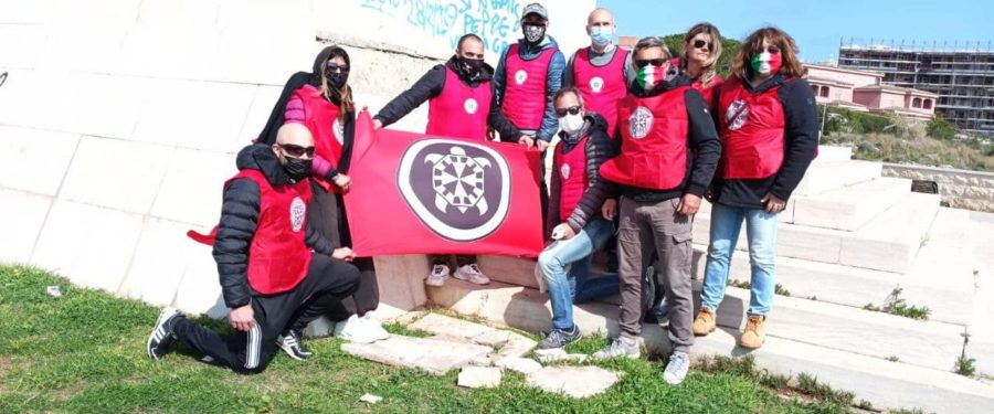Siracusa, CasaPound recupera i marmi del monumento ai caduti d'Africa