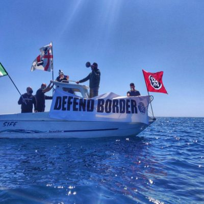 Militanti CasaPound presidiano costa del Sulcis contro sbarchi clandestini