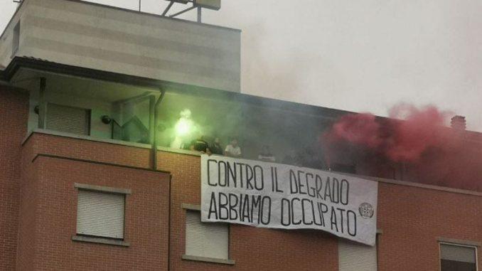 """Parma, CasaPound occupa l'hotel abbandonato al San Leonardo: """"Simbolo del degrado del quartiere"""""""