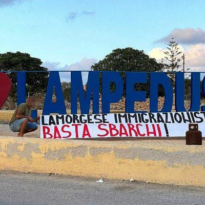Striscione a Lampedusa. CasaPound attacca il Ministro dell'interno Lamorgese sugli arrivi indiscriminati di clandestini in Sicilia